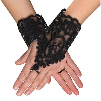 Pair lace gloves wrist Florence